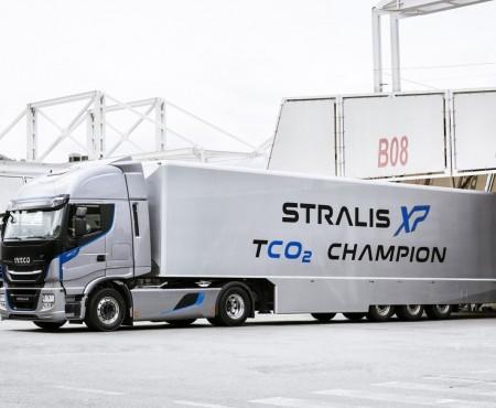Iveco-Stralis-Kroys-01